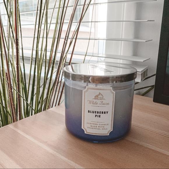 New Bath & body works Blueberry pie 3 wick candle